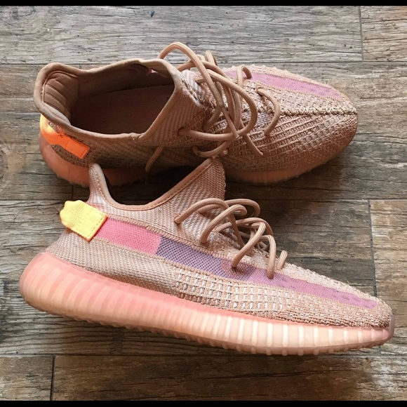 294c3f06251 Brand new Yeezy 350 V2 Clay w box.